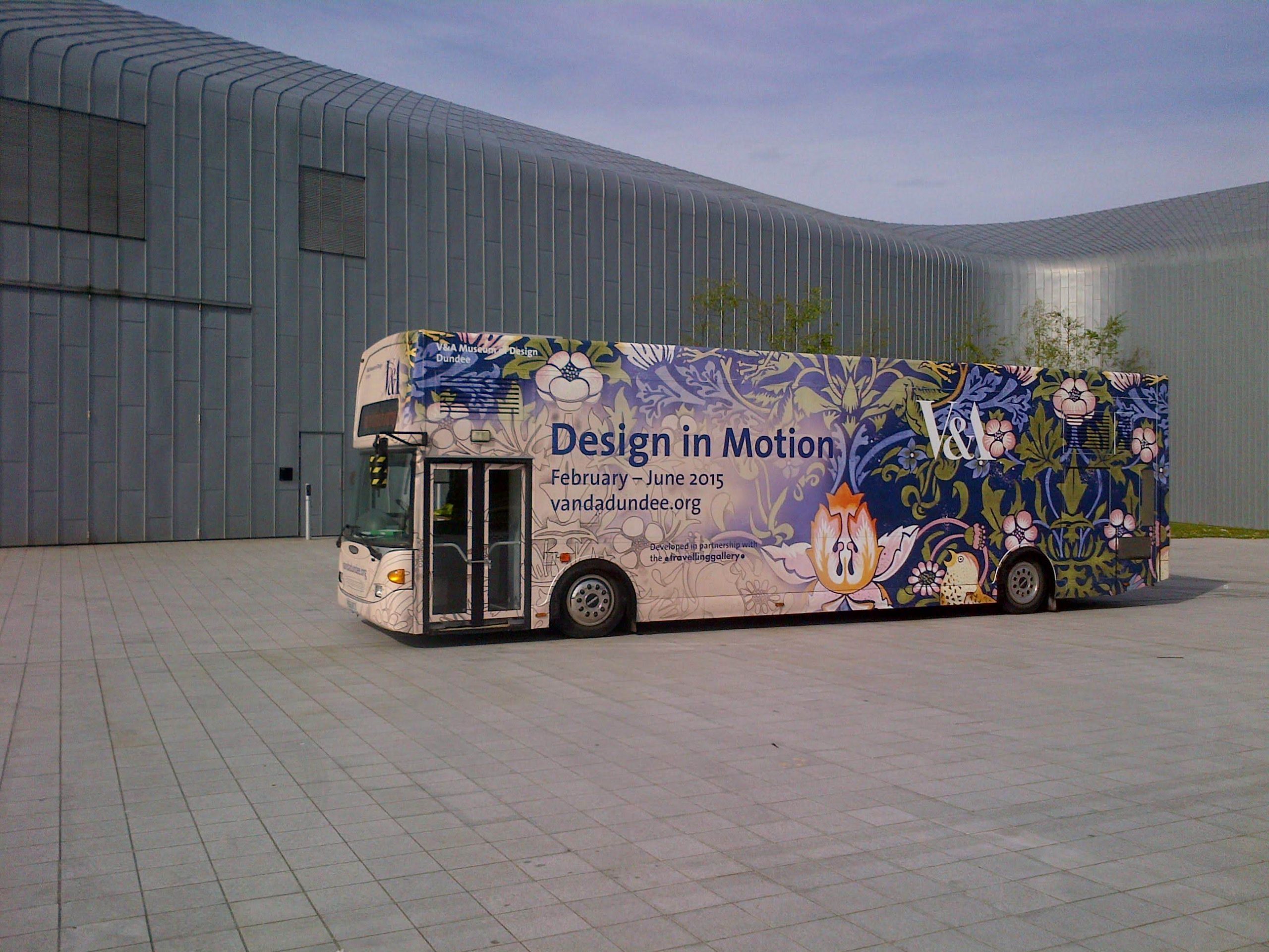Gallery bus with Design in Motion exterior